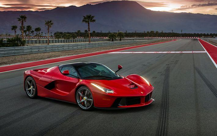 Descargar fondos de pantalla Ferrari LaFerrari, puesta de sol, 2017 coches, pista de carreras, sportcars, Ferrari