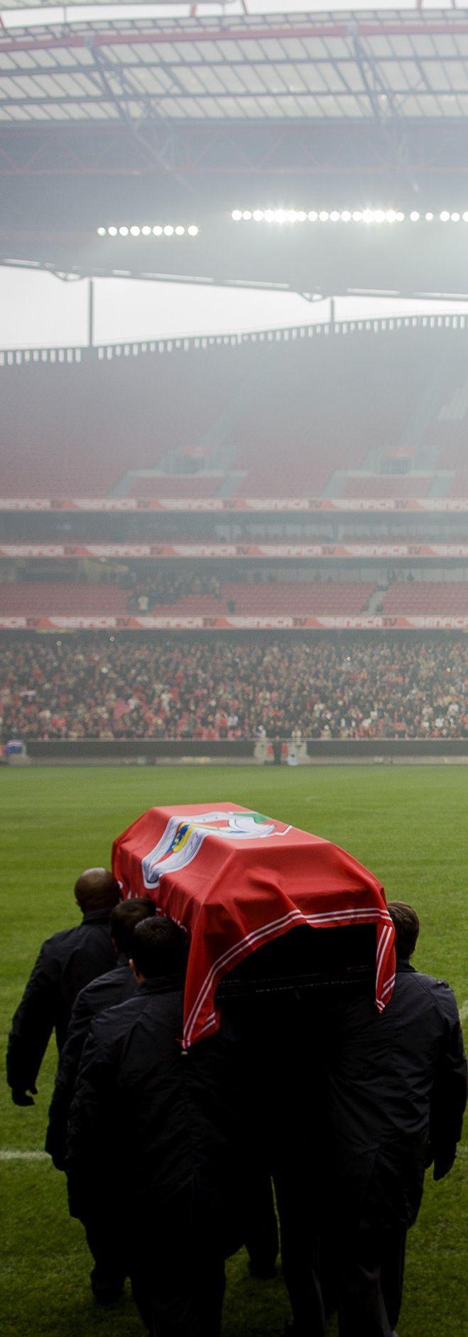 SL Benfica abre as portas do Estádio da Luz para fãs darem adeus a Eusébio