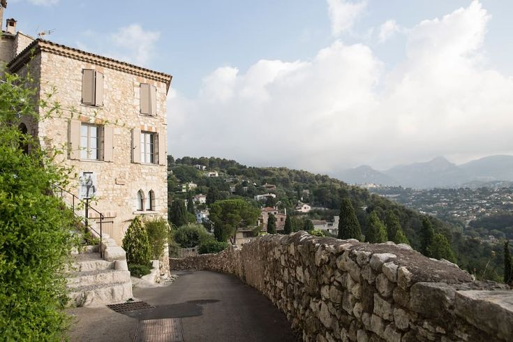 La Miette: Poet's stunning historic 12th Century apartment - Apartments for Rent in Saint-Paul-de-Vence, Provence-Alpes-Côte d'Azur, France
