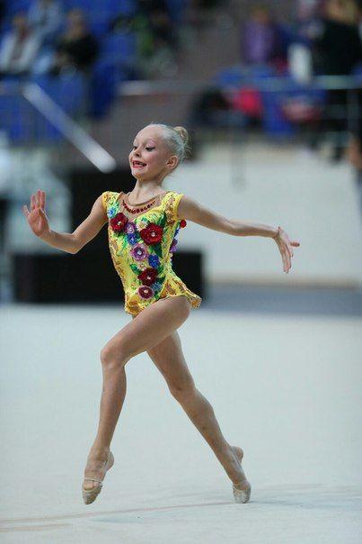Natali Купальники для художественной гимнастики さんの写真