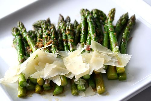 Slow Butter Braised Asparagus | Thank goodness that the slow-cooked asparagus came out delicious…allow me to take a little moment of your precious time an introduce you to slow butter braised asparagus. Once you try this, you'll wish for another full season of asparagus. Gently cooking asparagus will give you melt-in-your-mouth stalks, yet still retaining the bright green color and its pure flavor. Top with shaved parmesan and sea salt to create a luxurious dish. | From: steamykitchen.com
