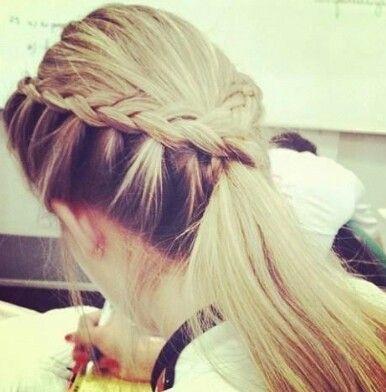 Bello peinado para el colegio no creen?