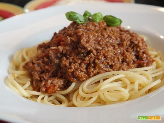 Spaghetti con ragù alla bolognese  #ricette #food #recipes
