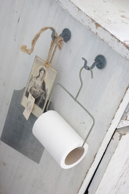 Fröken Knopp | Toilet Paper Roll Hanger