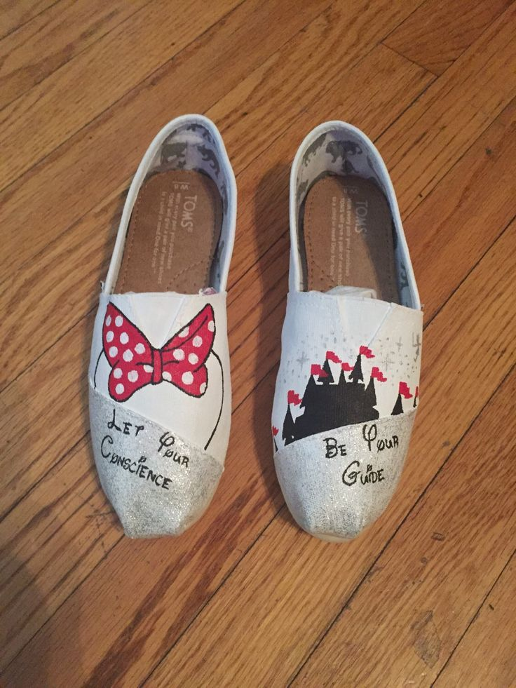 White Minnie Mouse Disney Custom Toms Shoes MAGIC KINGDOM toms [disney toms] by ButterMakesMeHappy on Etsy https://www.etsy.com/listing/225442978/white-minnie-mouse-disney-custom-toms