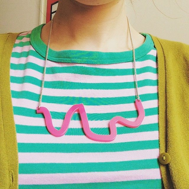 Great bold pink squiggle necklace!
