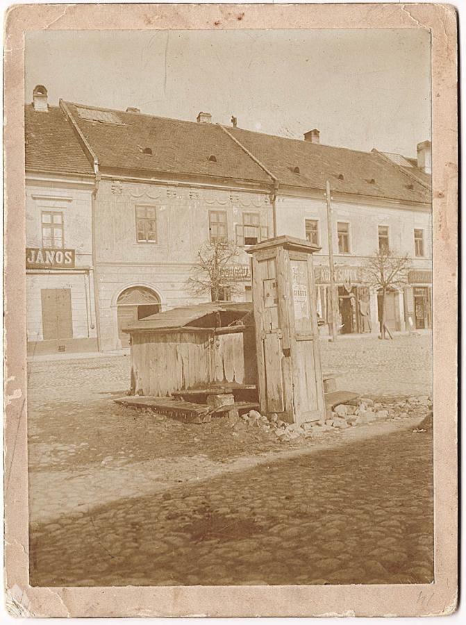 Foto studne na námestí v Kežmarku | Album fotografii Nowego Targu