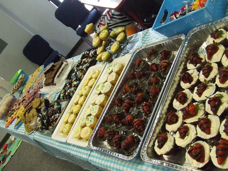 Dessert bar | Delicious Food and Drinks | Pinterest