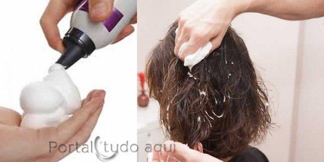 dicas de cuidados para cabelo fino-ou-ralo-aplicar-mousse