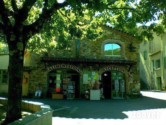 een van mijn fijnste vakanties ooit op camping Cevennes Provence Anduze ,destijds gerund door Mr. e Mme Jeannot.