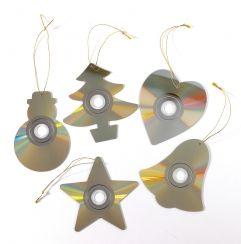 recycled cd christmas decorations de hartjes en sterren vind ik erg leuk