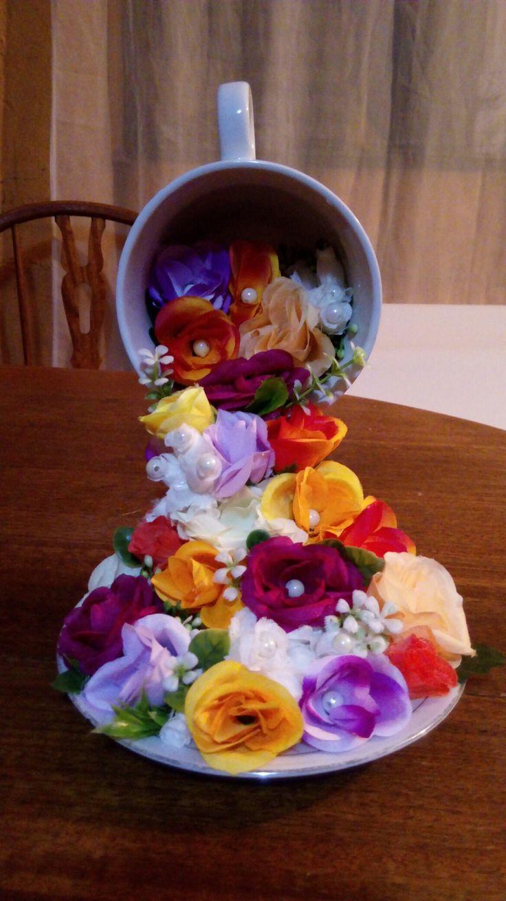 Cascada taza de flores