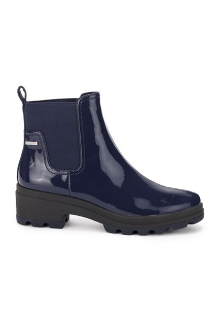 12 Rain Boots That Could Totally Pass For Office Shoes #refinery29  http://www.refinery29.com/cute-rain-boot-shoes#slide-3  Puddles, be very afraid: These waterproof, patent booties are coming for you.