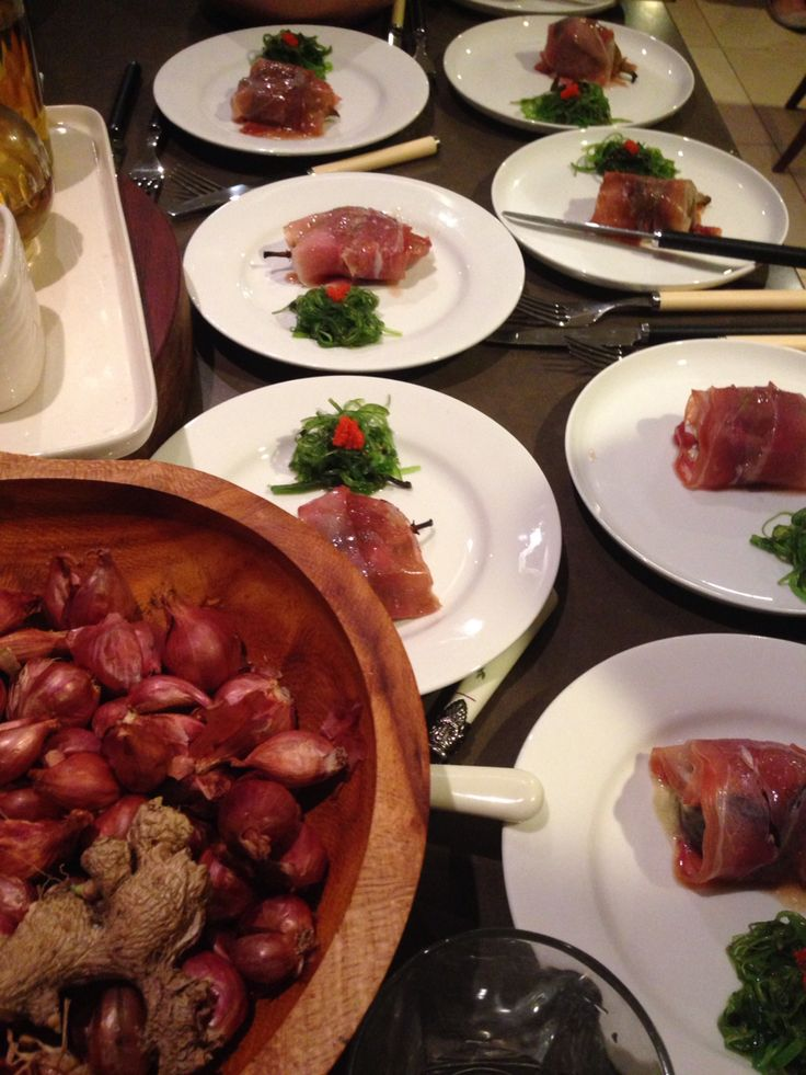 Baked fig and prosciutto pre-eat