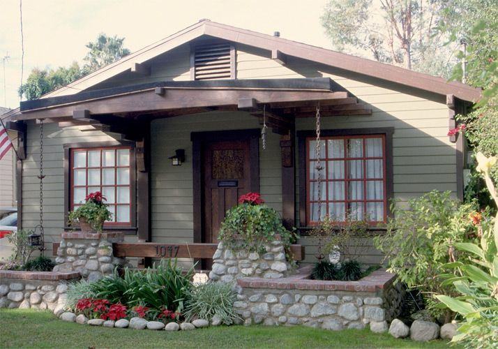 The 25 best craftsman front porches ideas on pinterest for Craftsman style front porch designs