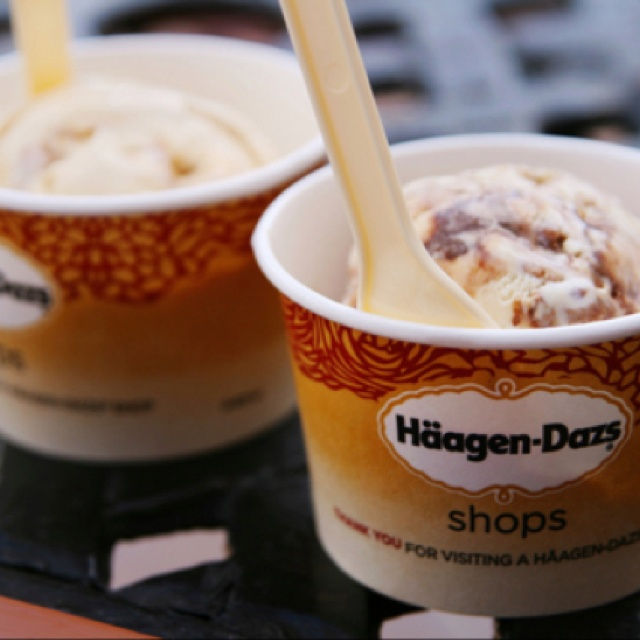 Who can resist Hagen Dazs?? Certainly not me....