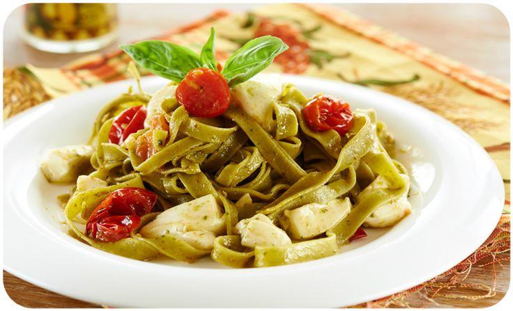 """Тальятелле — классическая итальянская паста. Готовится достаточно быстро и просто.  Как? Читаем в статье """"Тальятелле со шпинатом, соусом песто, помидорами черри и моцареллой"""" - http://www.yapokupayu.ru/blogs/post/talyatelle-so-shpinatom-sousom-pesto-pomidorami-cherri-i-motsarelloy"""
