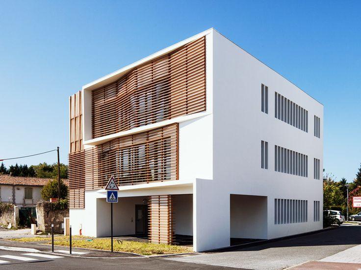 construction d 39 un p le m dical bayonne brise soleil bois red cedar bardage bois brise. Black Bedroom Furniture Sets. Home Design Ideas