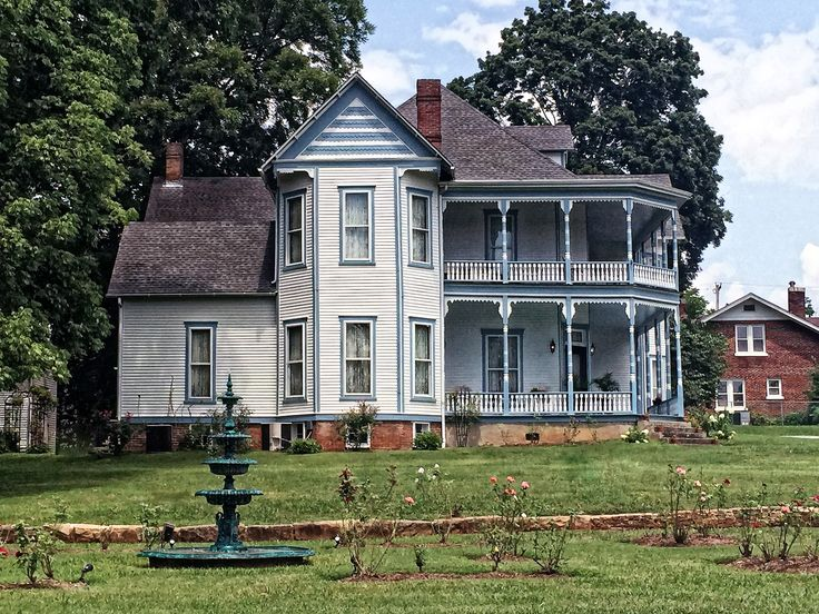 440 Best Images About House Design Old New On Pinterest Queen Anne Modern Farmhouse And Plantation Homes