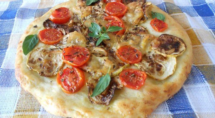 Fantastická zemiaková pizza s paradajkami a cukety, ktorú si môžete upiecť aj doma, je chutná a dokonca aj zdravá