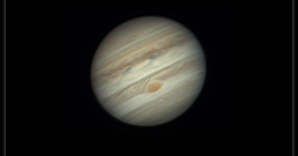 Imagen de Júpiter tomada la noche del sábado, 8 de abril de 2017 (23:46 - hora local), desde St. Radegund, Austria. Se utilizó una cámara ZWO ASI224mc y un telescopio Celestron 9. Júpiter estará en conjunción con la Luna la noche del 10 de abril. Crédito: Michael Karrer #júpiter