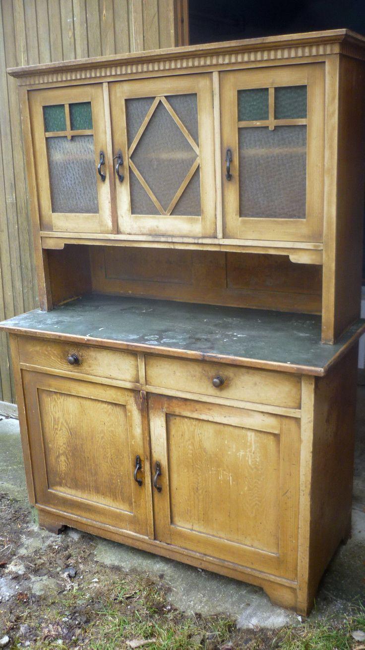 Simple altes antikes buffet k chenschrank schrank anrichte weichholz gr nes glas deko in Antiquit ten u Kunst Mobiliar