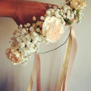 flower crowns, perfect for a casual look yet also perfect for a weddingHats Headbands, Hippie Headbands, Fashion Details, Flower Headbands, Dreams, Flower Crowns, Flower Girls Crowns, Girls Time, Flower Hippie