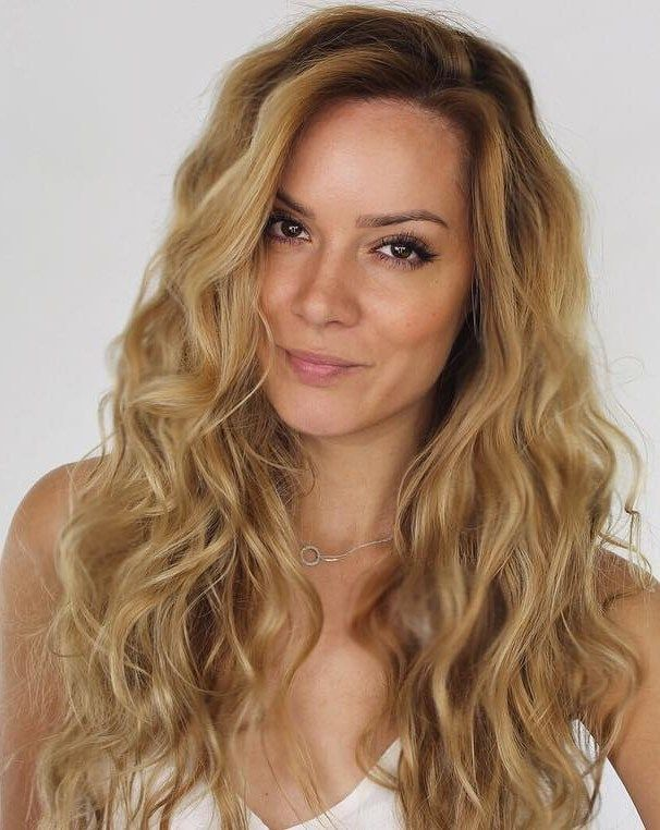 Heatless Beach Waves  Dutch Braid Waves  This is beach waves hair at its best. Sexy, natural, and easy! When you want the top of your hair to be wavy too (not just the middle and ends), a dutch braid helps you achieve the style without heat. Clearly, that's a perfect braid for waves. If you'll be doing your drying time at home, you don't have to create a braid that nice or you can wear the braid one day and waves the next day.