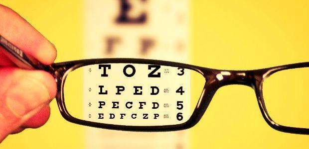 #58 Okulista zawód. Okulista dba onasze piękne oczy.  Czytaj więcej: http://www.careego.pl/3472/okulista-dba-piekne-oczy/