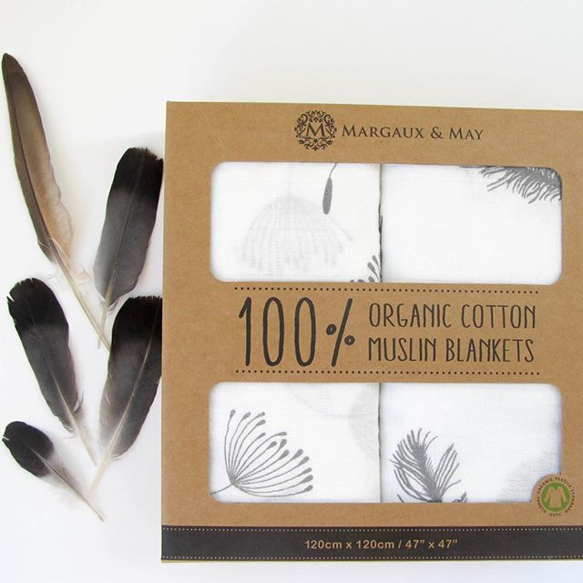 Feathering your nest? Our Grey Feather and Dandelion swaddle blanket set is a lovely gender-neutral print, don't you think? Maybe we're a little bit biased 😊️