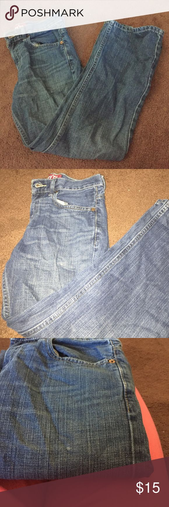 Levi's 527 Bootcut Good condition jeans. One spot shown in last photo. Size 26x 26 1/2 Levi's Jeans Bootcut