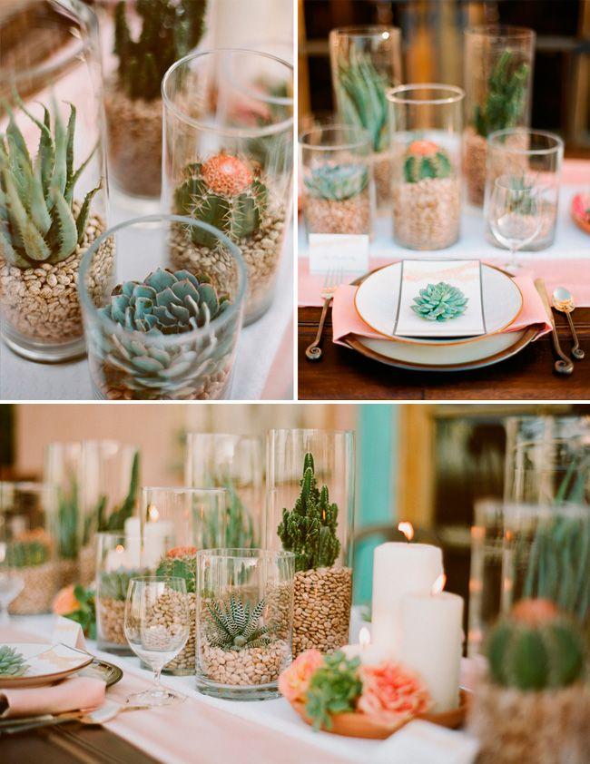Decoración con cactus y velas para una boda estilo mexicano