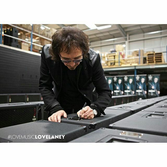 Tony signs a special exclusive limited edition TI100 stacks in early December 2015.