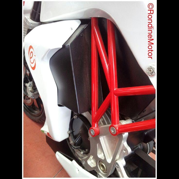 #electricmotorcycle #motorcycle #innovation #rondinemotor #italy #italiandesign #italianbrand #design #madeinitaly