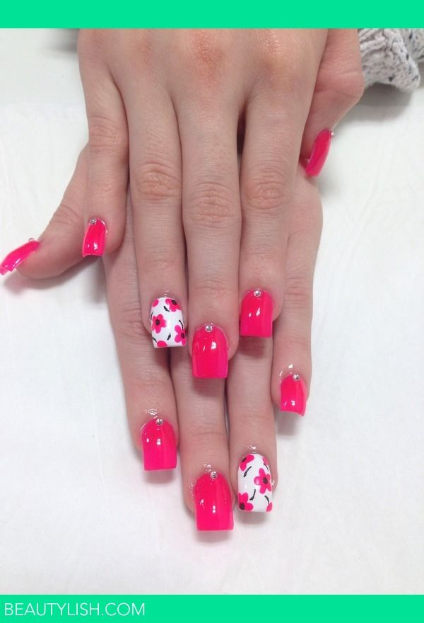 Acrylic nails with flowers   Kimberleigh H.'s Photo   Beautylish