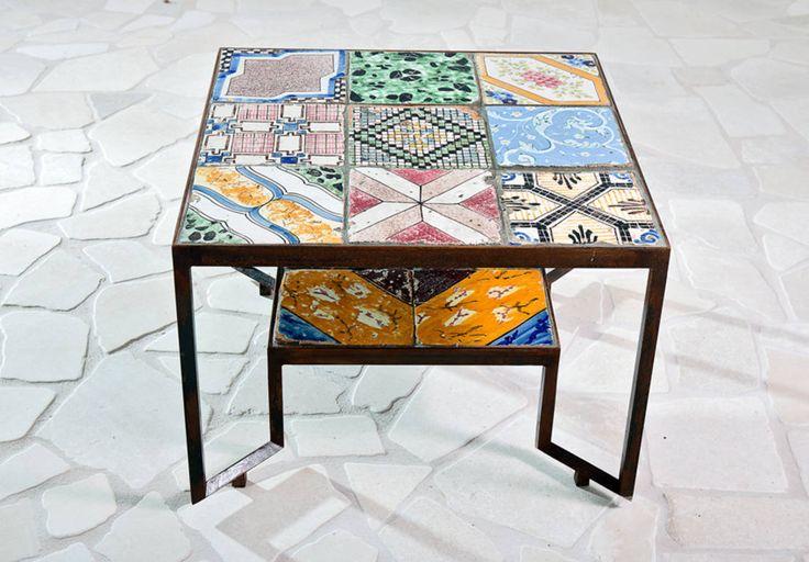 Mosaike strahlen immer eine besondere Faszination aus und bieten uns viele Details, die es zu entdecken gibt. Wer außergewöhnlich verzierte Möbel bevorzugt, wird in hier garantiert fündig.
