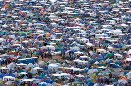 en liten bit av telthavet på Hurricane 2009 - villt!