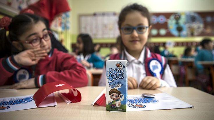 Okul Sütü Programı kapsamında 290 milyon kutu süt temini için yapılan ihalede istekliler tarafından verilen tekliflerin tamamı yaklaşık maliyetin üzerinde olduğu için ihale iptal edildi.