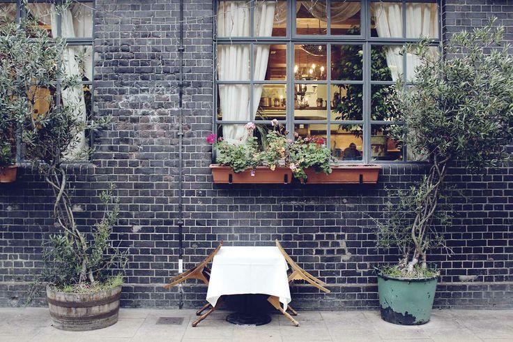 #table #restaurant #London