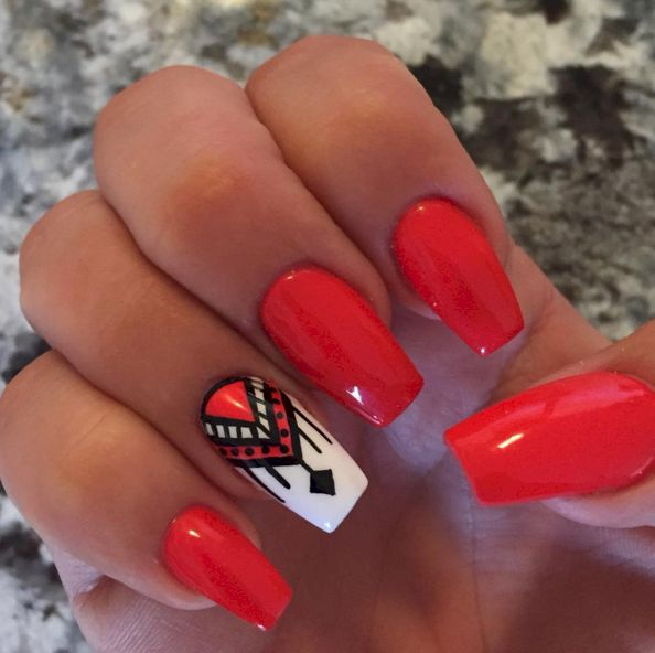 15 Totally Trendy Tribal Designs To Rock On Your Nails