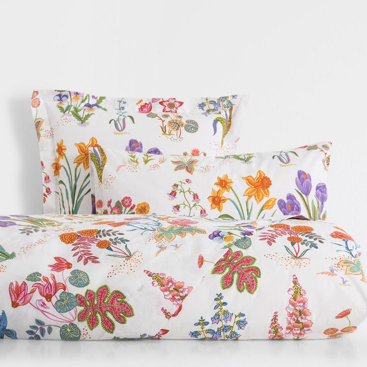 Our Favorite Colorful Items From Zara Home's Summer Sale- botanical print pillow case