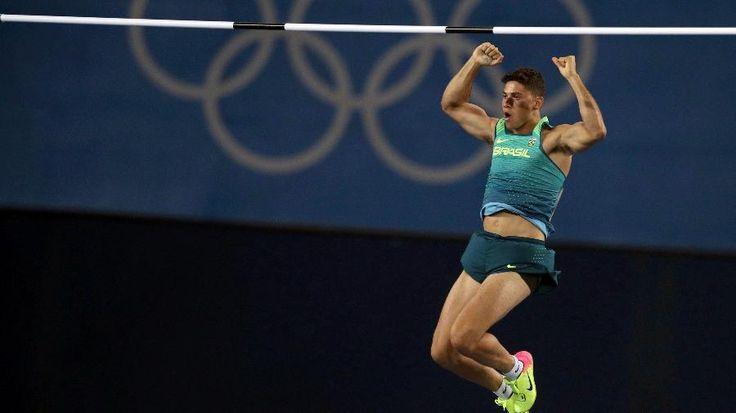 Olimpíadas Rio 2016: Thiago Braz consegue feito e é ouro no salto com vara com…