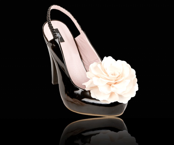 Peep Toe Candy - accessorize your shoes with a big silk flower from http://peeptoecandy.com/collections/flowers/products/silk-flower-off-white
