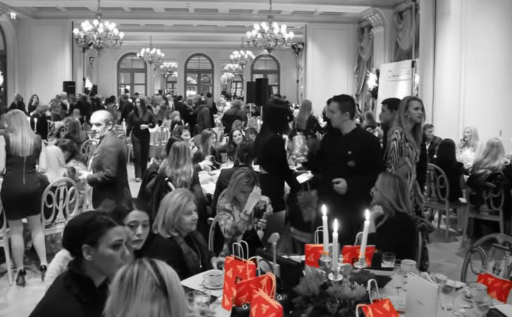 Our retail Packaging design for APIVITA at the Christmas fashion tea «Καλλιπάτειρα», at Grand Hotel Bretagne, Athens, GR #apivita #stema #stemaconsulting #charity #packaging #red #christmas #athens #grandhotelbretagne