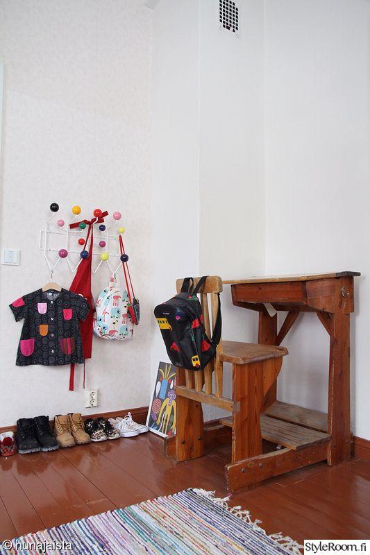 Käyttäjämme Hunajaista on yhdistellyt lastenhuoneen sisustuksessa kauniisti uutta ja vanhaa. #inspiroivakoti #kodinsisustus #lastenhuone