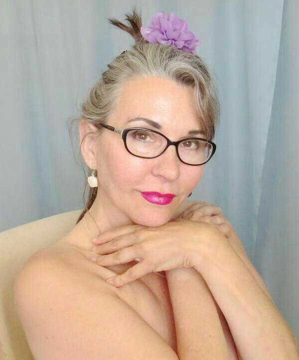 daniels women You have found aniloscom nikki daniels, your number one source for nikki daniels mature sexy woman & the best mature women on the net.