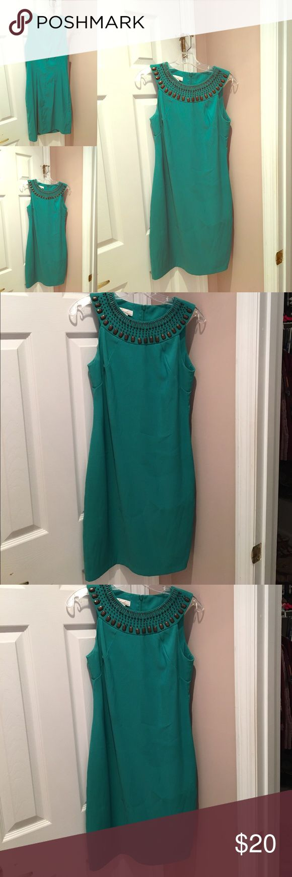 Kim Rogers Green Studded Dress!! Size 6 $20 Kim Rogers Green Shift Dress with studded collar! Gorgeous dress for work and night out!!! Size 6 Kim Rogers Dresses