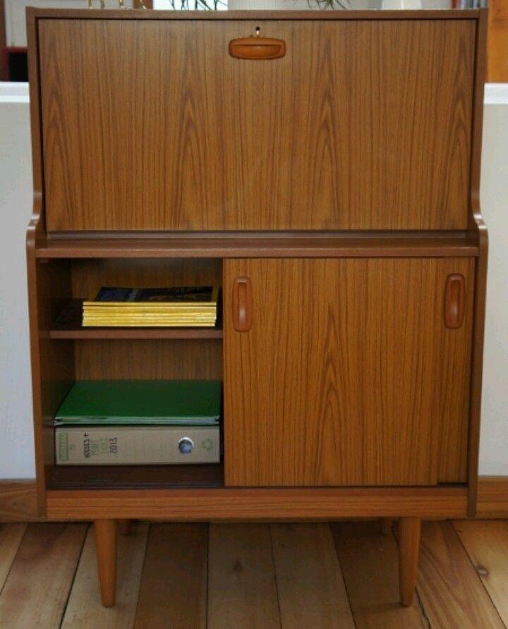Vintage 1960 s Retro Danish Style Teak Schreiber Bureau in good conditions.