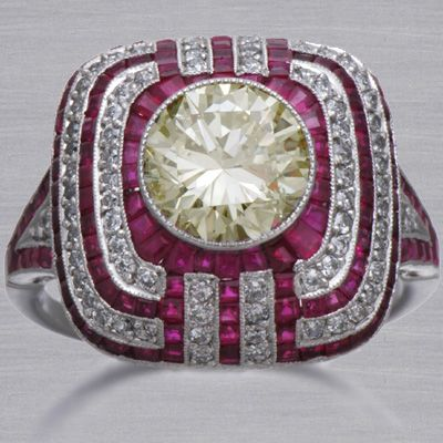 Art deco diamond & ruby ring                                                                                                                                                                                 Más
