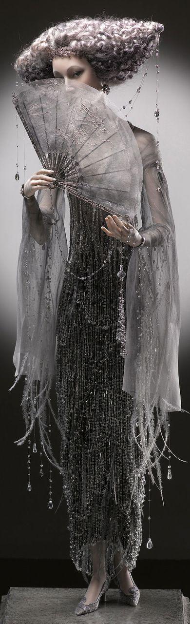 К ее лицу шел черный туалет... | Коллекционные фарфоровые куклы в светских костюмах XIX – XX веков | Записи AЯT (Искусство) | УОЛ